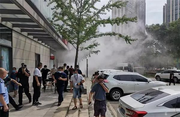 突发!武汉一大厦发生化工品泄漏,主要负责人被警方控制